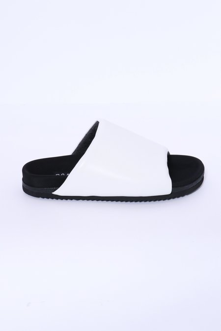 Roam Slider - White Leather