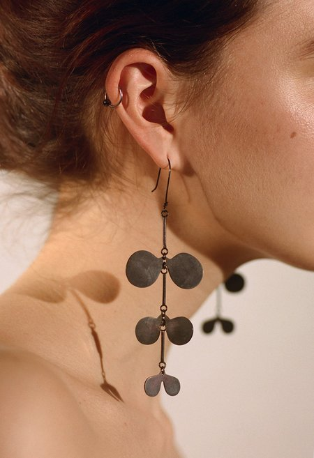 SIAN EVANS PINNATE MAXI Earrings - Black