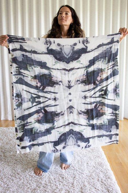 Shai Shanti Tie Dye Scarf - White/Black
