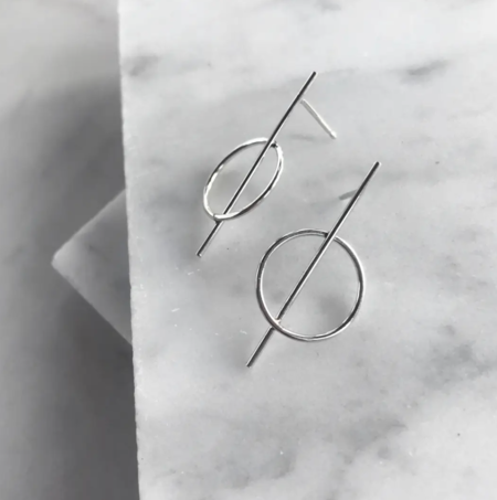 Zil Jewelry Minimalist Bar through Circle Studs