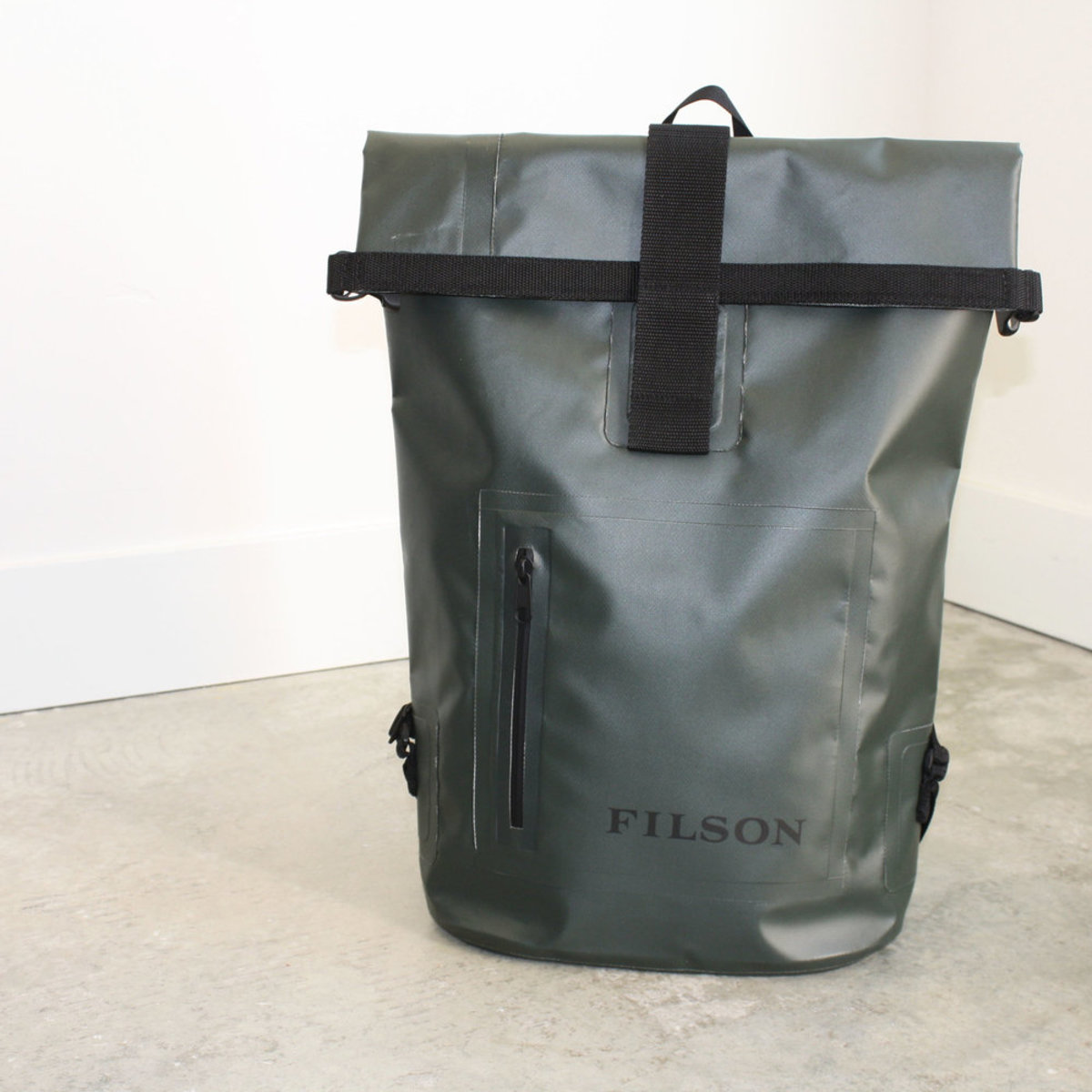 52729bf8545f0 Filson Dry Day Backpack
