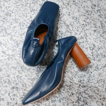 Rejina Pyo Edie Pump In Leather Shiny - Navy