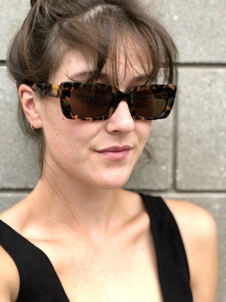 CARLA COLOUR Kenzie Sunglasses - Magnatort