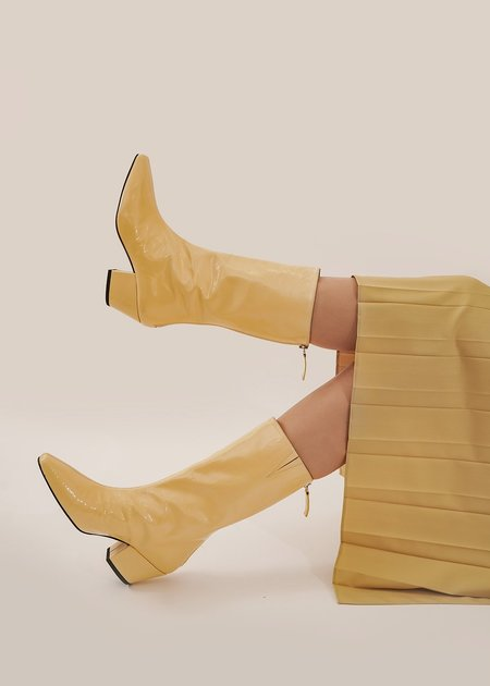 About Arianne The Myrtle Boots - Pergamena Yellow