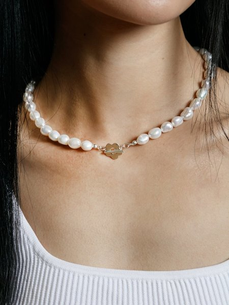 Wolf Circus Lola Pearl Flower Necklace - Silver