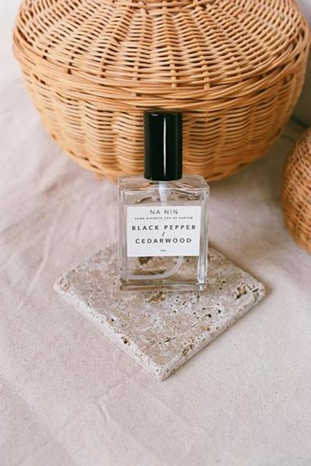 NA NIN Black Pepper Cedarwood 2oz Parfum