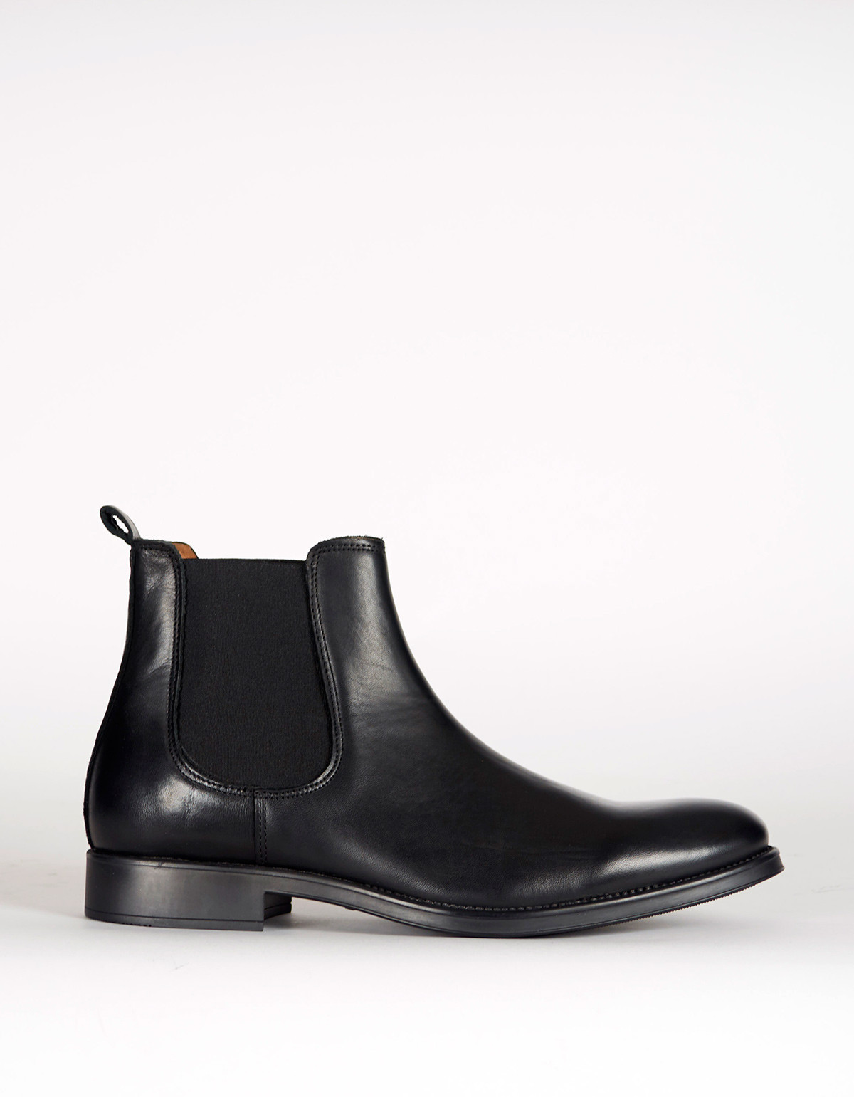 selected homme oliver chelsea boot black from still life garmentory. Black Bedroom Furniture Sets. Home Design Ideas