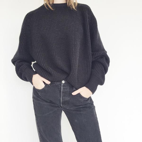 Johan Vintage Black Ribbed Crewneck Sweater