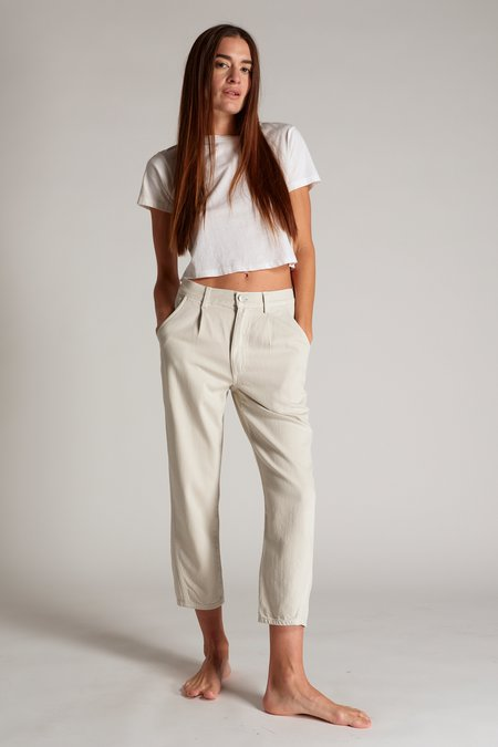 amo denim PLEATED SLOUCH TROUSER - CREAM