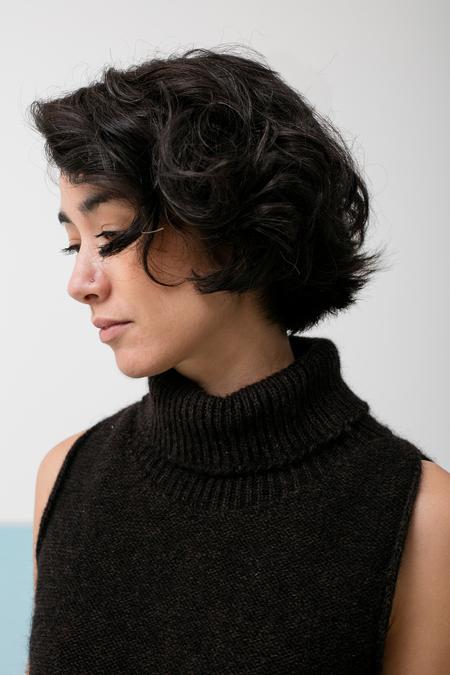BaseRange Sahar Turtle Knit Vest - black & brown