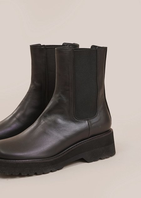 AMOMENTO Chelsea Boots