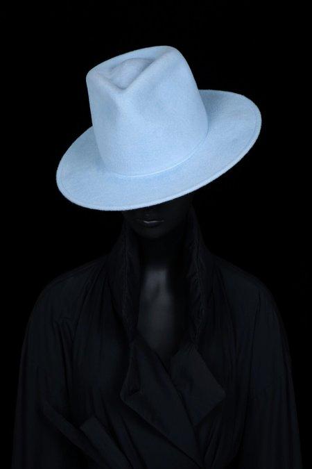 Esenshel Tear Tall Round Brim Hat - Powder