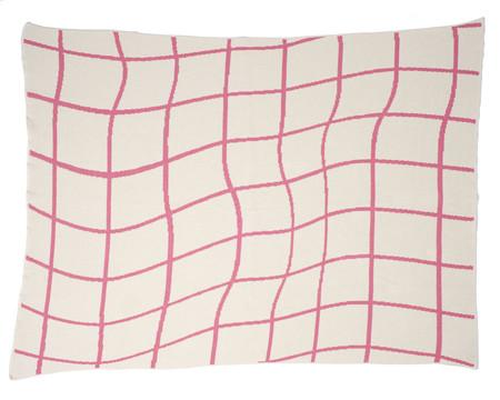 Aelfie Wavy Grid Throw Blanket - pink