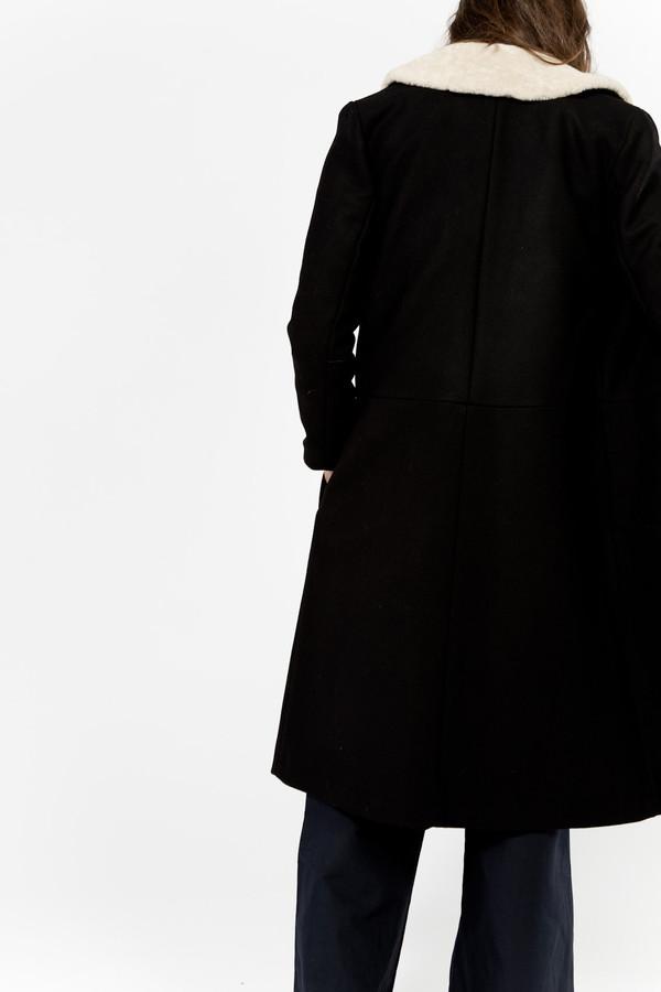 Samuji Metuka Coat