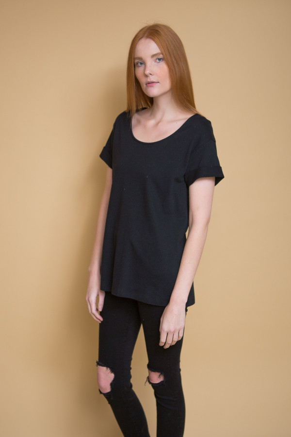 Ali Golden Roll Sleeve T-Shirt / Black