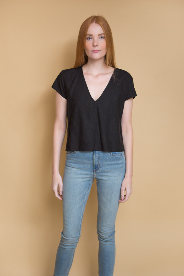Ali Golden V-Neck Top / Black
