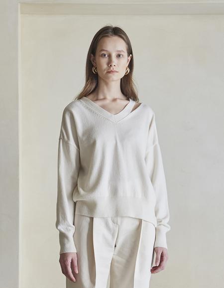 Maison De Ines V-neck Slit Sweater - Ivory