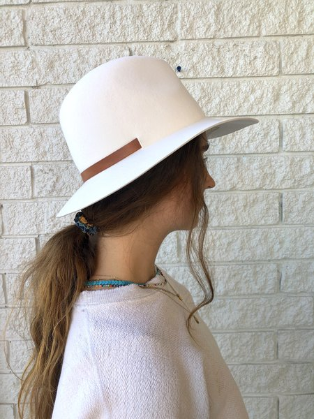 Janessa Leone PERRY hat - OFF WHITE