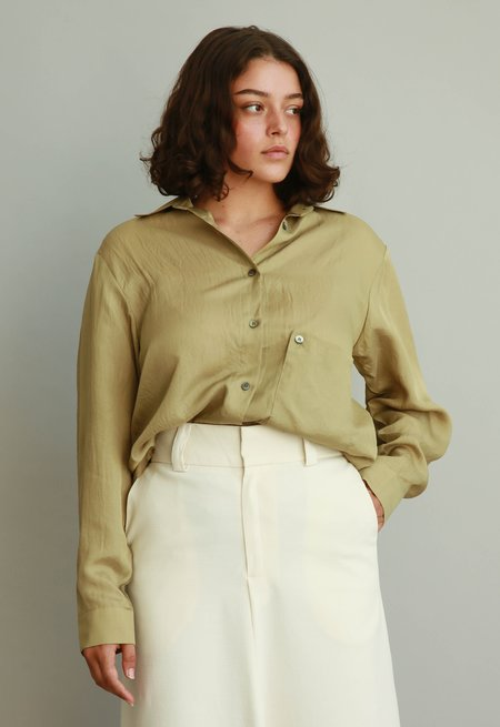 JOWA. Londonflat Loose Fit Silky Shirts - Olive