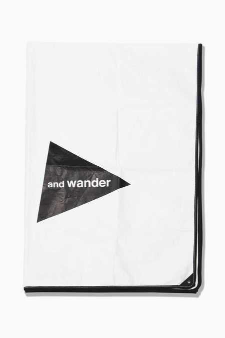 and wander Tyvek Sheet - White