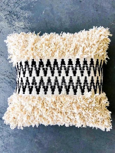 marramarket Zig Zag Moroccan Cotton Pillow - Cream/Black