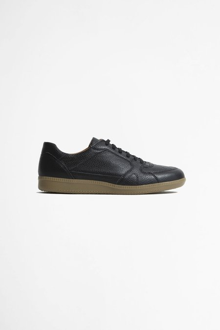 Reproduction of Found Portuguese military trainer - black