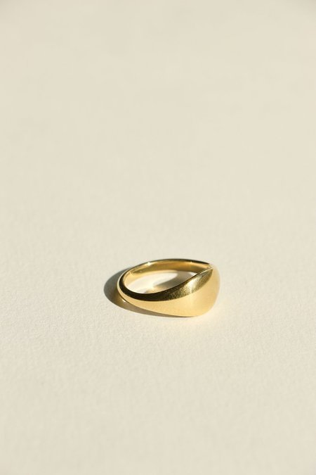BRIE LEON Novia Signet Ring - Gold Plated/steel