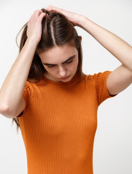 une heures womens Silk Crewneck Short Sleeve  - Terracotta