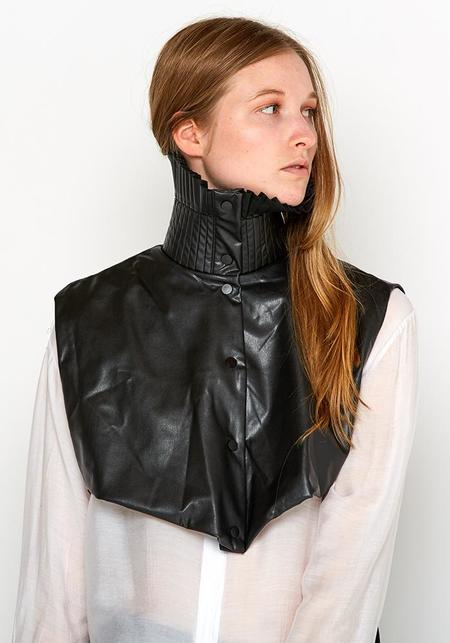 MiiN Ruffled Faux Leather High Neck Collar - black