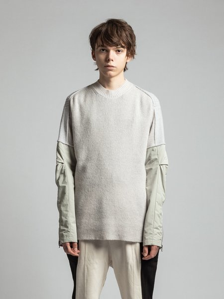 The Viridi-Anne Combination Sleeve Nylon Switching Knit - Light Grey