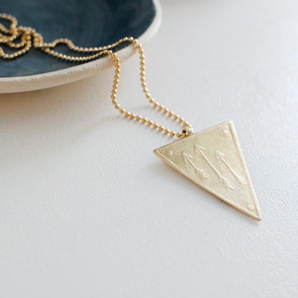 DON'T GIVE UP NECKLACE