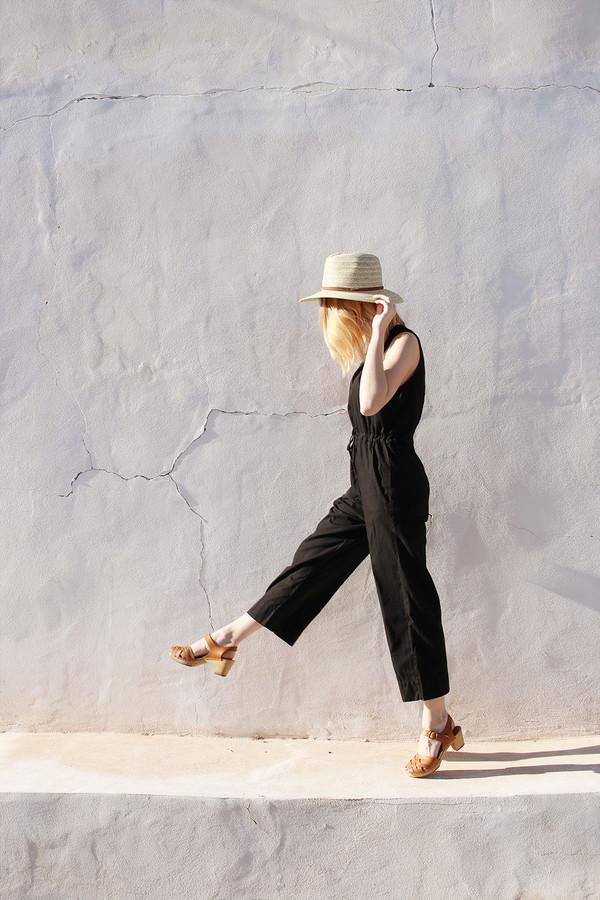 Slit-Back Jumper in Black