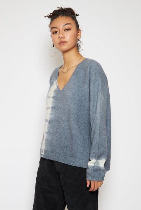 Suzusan Cashmere Seamless V-Neck Pullover - Silver Grey/Light Grey