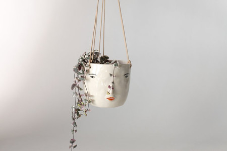 Rami Kim Hanging Face Pot