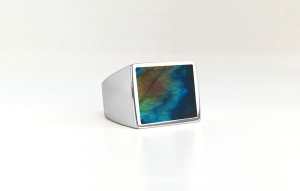 Unisex Legier Labradorite Stone Signet Ring