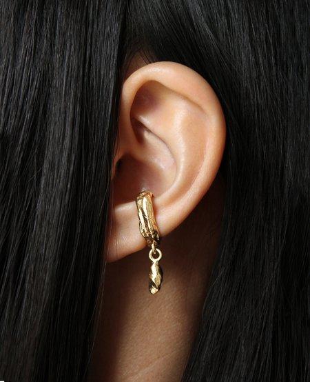 Ora-C MANCINO golden ear cuff