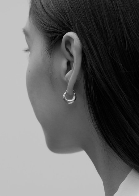 Sophie Buhai Tiny Essential Hoops - Gold