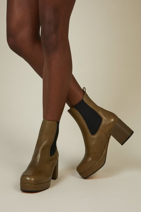 """INTENTIONALLY __________."" Austria Boots - Khaki"