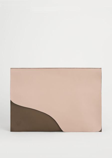 ATP Atelier Sardegna Grande Laptop Case in Vacchetta Leather - Sand/Khaki Brown