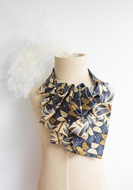 Lilian Asterfield Aster Silk Ascot - Navy/Beige