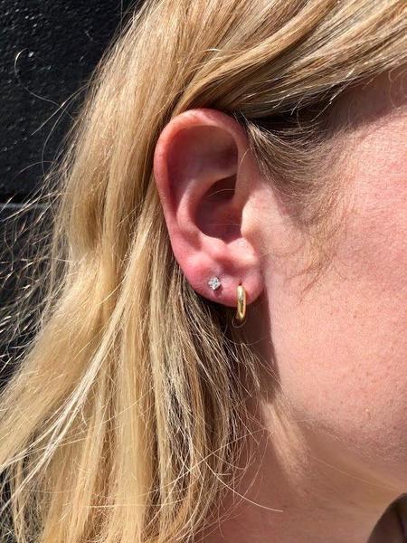 Machete Perfect Huggies Earrings - Gold