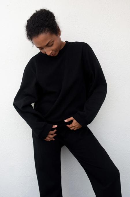 Wol Hide Easy Winter Sweatshirt - Black