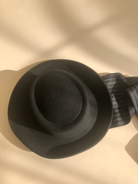 Clyde Gambler Wool Hat w/ Neck Scarf - Black