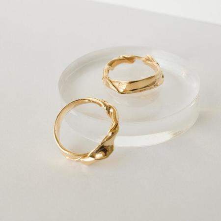 Merewif Oyster Ring - gold plated brass