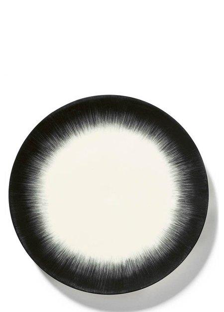Ann Demeulemeester x Serax 24 cm Var 4 plate - Off-White/Black