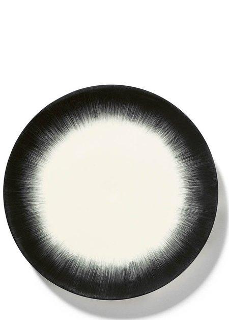 Ann Demeulemeester x Serax 28 cm Var 5 Plate - Off-White/Black