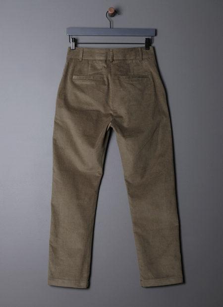 GREI. SLIM LINE PANT - GREY OLIVE