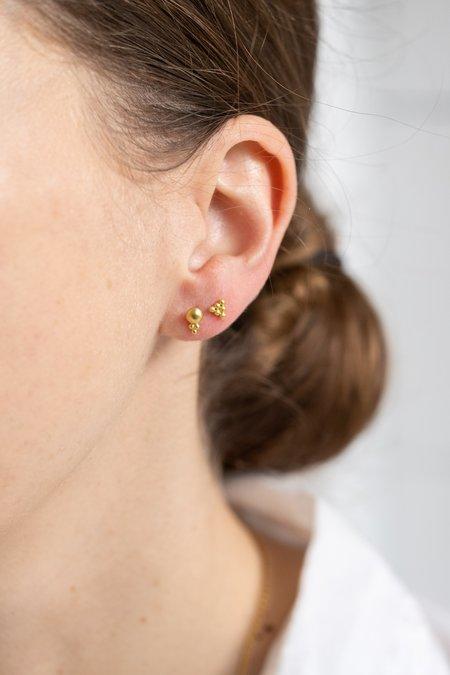 Prounis Hexa Stud Earrings