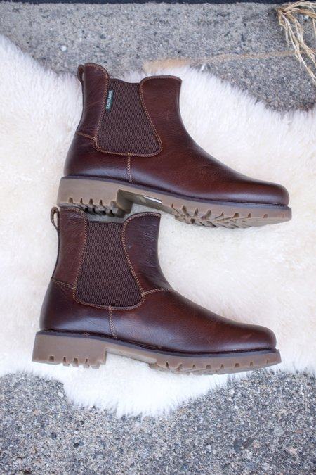 Eastland Ida Chelsea Boots - Walnut