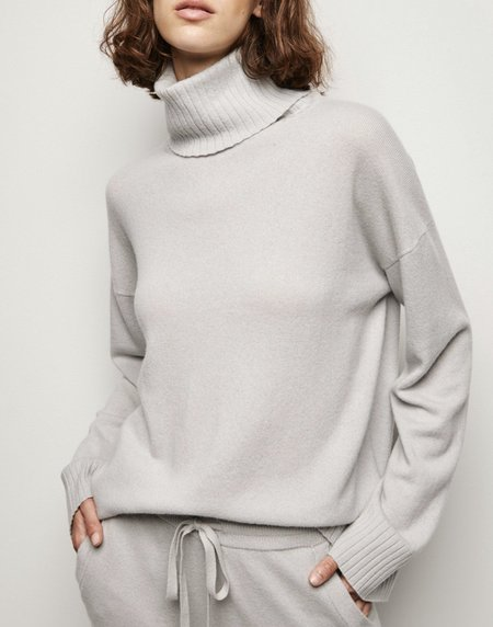 Nili Lotan Turtleneck Boyfriend Sweater - ivory